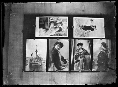 Fotografías expuestas en una pared