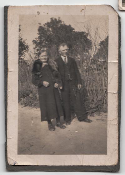 Portret pary w plenerze