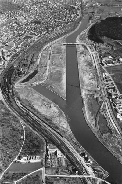 Luftbild Hafen Plochingen, Stauhaltung Deizisau