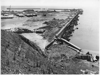 Südhafengelände Helgoland, zerstörte Westmole, Vorhafen, Baustellen