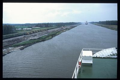 Kanalverbreiterung durch Uferrücklegung