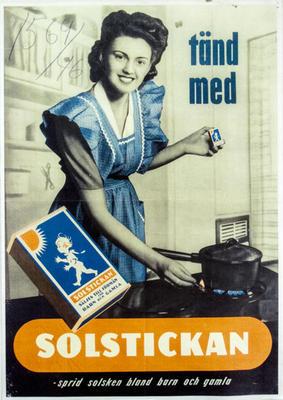 Tänd med Solstickan - sprid solsken bland barn och gamla (kvinna vid gasspis)