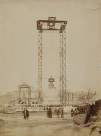 Bastida que va servir per a la construcció del monument a Colom