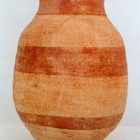 Urna cineraria. Tumba IV. Ajuar de la necrópolis de Cerrillo de los Gordos de Cástulo (Linares, Jaén, España)