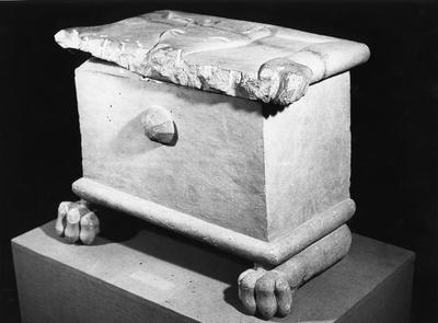 Caja funeraria de la necrópolis de los Chorrillos (Mengíbar, Jaén, España)