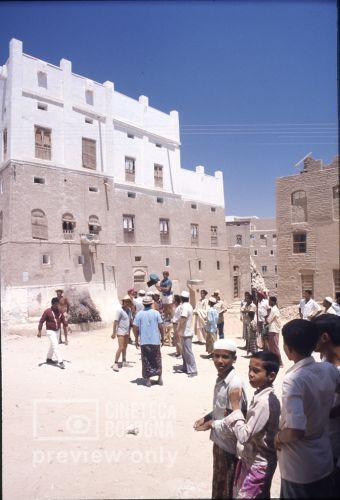 Pier Paolo Pasolini. Il fiore delle mille e una notte. 1974 / Sud Yemen: Hadramaut, Sayun, Pier Paolo Pasolini gira le Mille e una notte