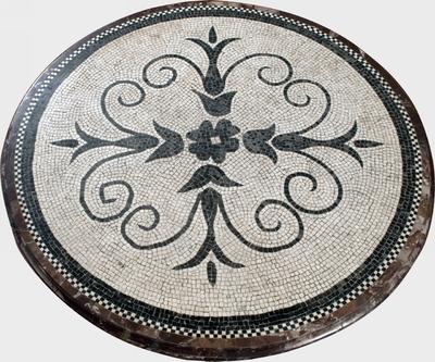 tavolo a mosaico