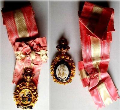 """Marea Cruce a Ordinului portughez feminin """"Sfânta Isabella"""""""