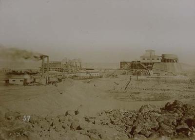 Pampa and oficina views. General view of maquina