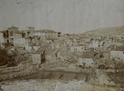 Arenas del Rey. Vista tomada desde la era en la cual está establecido el campamento