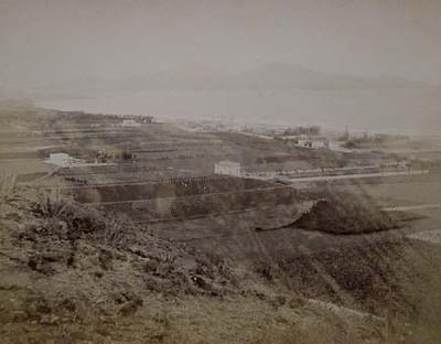 Paisaje con campos de cultivo que actualmente alberga parte de la ciudad de Las Palmas.  Donde está el hotel Santa Catalina