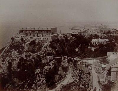 Gibraltar. Buena-vista y el juego de bolos del diablo