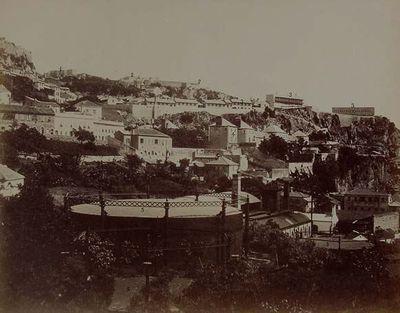Gibraltar. La fábrica del gas desde los cuarteles del Sur. Barrio de Rosia