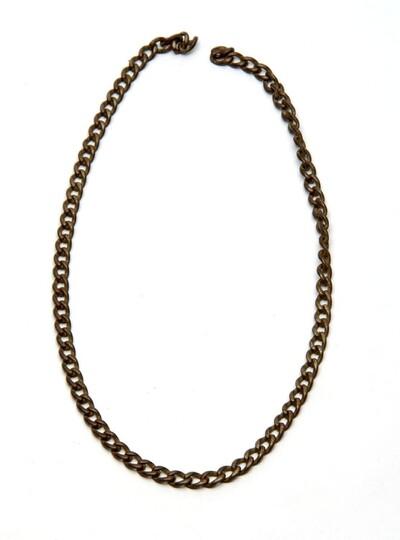 IJzeren halsketting, zonder sluiting