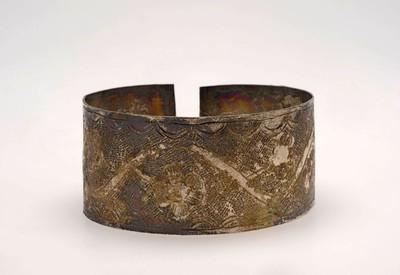 Brede zilverkleurige armband