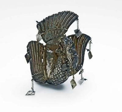 Zilveren kainophouder in de vorm van een garuda vogel