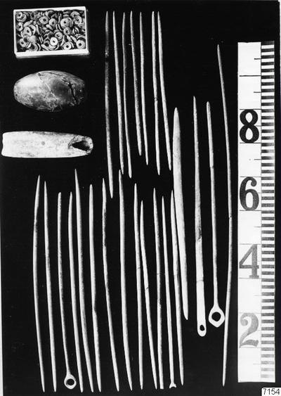 prydnadsföremål, redskap, krok, ring, nål, fotografi, photograph@eng