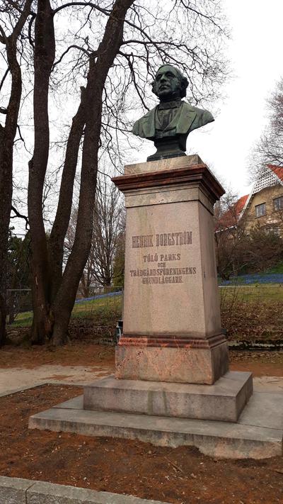 Statue of Henrik Borgström