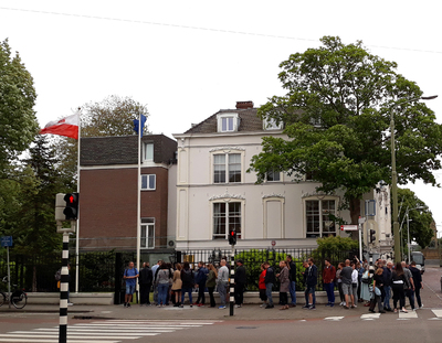 Voting at the Polish embassy in the Netherlands