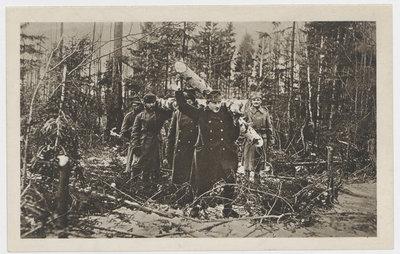Krzyż na grób kolegi Czwartaka.