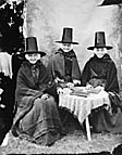 [Modryb Martha, Modryb Nellie a Modryb Gwenno (1871-2)]