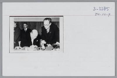F303385: Albert Salomon in de Benei Berith loge in Amsterdam, circa 1953