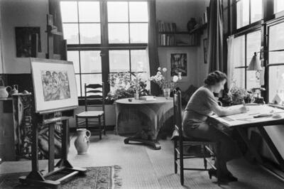 [Fré Cohen aan het werk in haar atelier in de Karel du Jardinstraat]