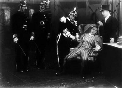 Únos bankéře Fuxe (Sherlock Holmes II.) - picture 3