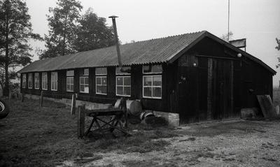 Foto afkomstig uit de dossiers van de Dienst Gemeentewerken Apeldoorn. In beeld grote schuur bij nangedijk 36. In 1978 werd het adres nanddrostlaan 36