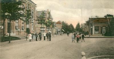 Terhoogte van de Markt, links het voormalig Kantongerecht.
