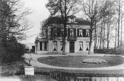 Villa op het terrein van de Sparta oijwielen en Motorfietsen Fabriek.