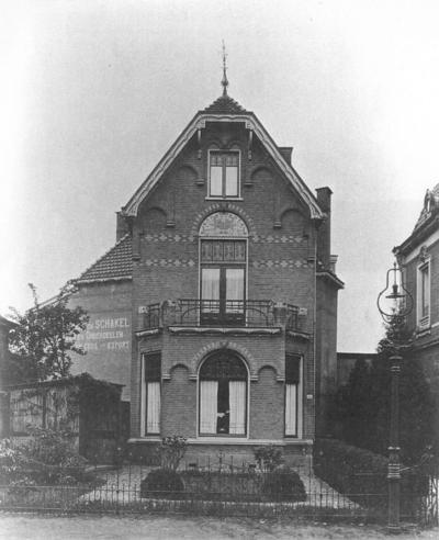 Pand van de familie Schakel. Hier startte in 1917 de firma Verbeek & Schakel, later de Sparta rijwielo en motorfabriek