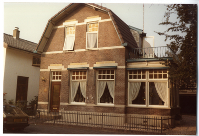 De woning van de familie Bolhuis, van oookwarengroothandel G. van Bolhuis en Zn.
