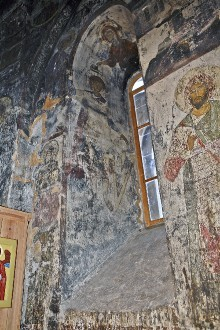Die Ausmalung der Saalkirche — Christus Emmanuel krönt heilige Krieger