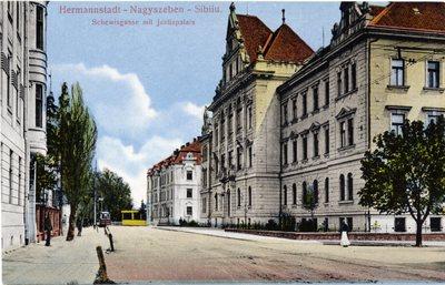 Hermannstadt - Nagyszeben - Sibiiu. Schewissgasse mit Justizpalais