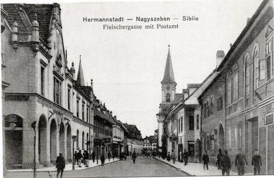 Hermannstadt - Nagyszeben - Sibiiu. Fleischergasse mit Postamt