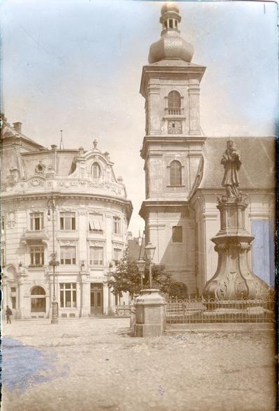 Piata Mare - Biserica Romano-Catolica si Statuia Sfantului Ioan Nepomuk