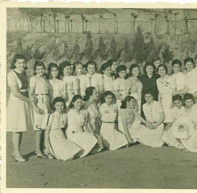 İsmetpaşa Kız Enstitüsü Öğrencileri