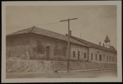 Old building #3 | Un vecchio edificio #3