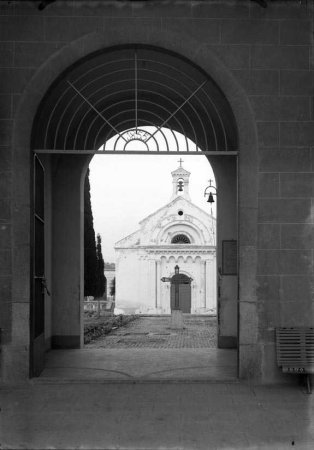 Entrada al cementiri de Vilanova i la Geltrú.