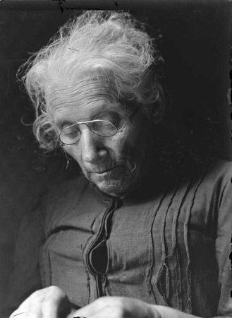 Dona rural (cap d'estudi) de la V sèrie Caps d'estudi