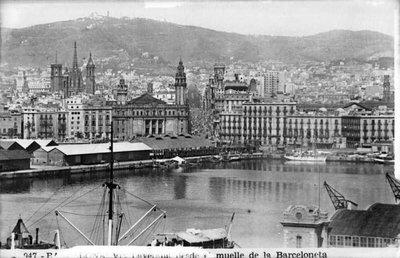 Vista parcial de Barcelona des del port.