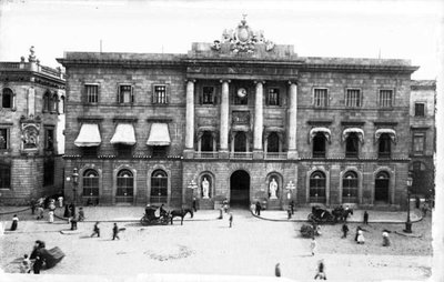 Façana principal de l'Ajuntament de Barcelona.