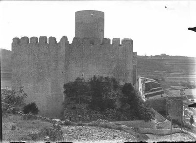 Torre i murs del Castell  de Castellet i la Gornal
