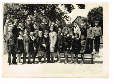 1965. Zdjęcie klasowe Jana Chyrkowskiego