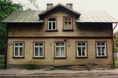Rīga. Koka nams Friča Brīvzemnieka ielā 2