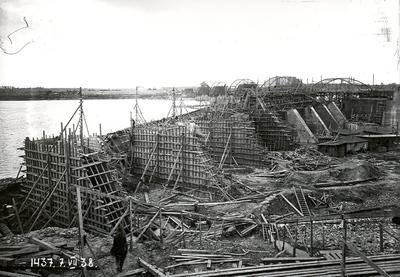 Veidņi Ķeguma spēkstacijas ledus aizsargsienas betonēšanai. 1938.gada 7.jūlijs