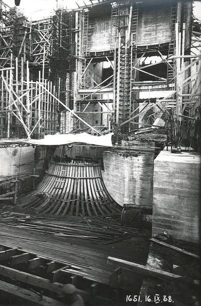 Ķeguma spēkstacijas turbīnas darba rata kameras izbūve. 1938.gada 16.septembris