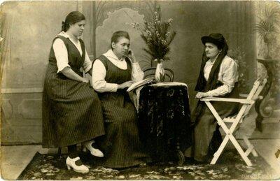 Sieviešu portrets