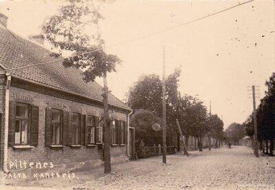 Piltenes pasta ēka